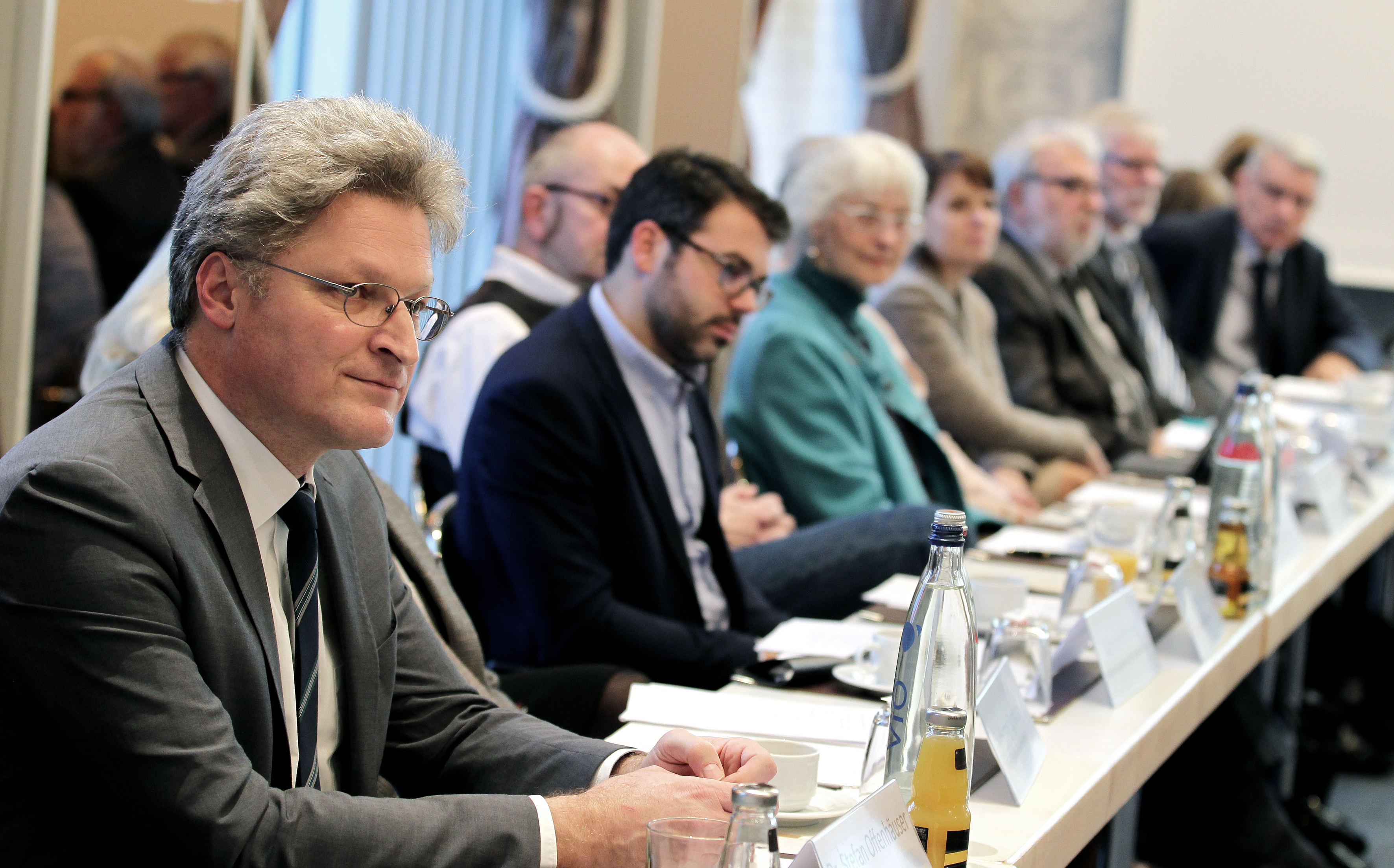 Mitglieder des Medienrats bei der Sitzung